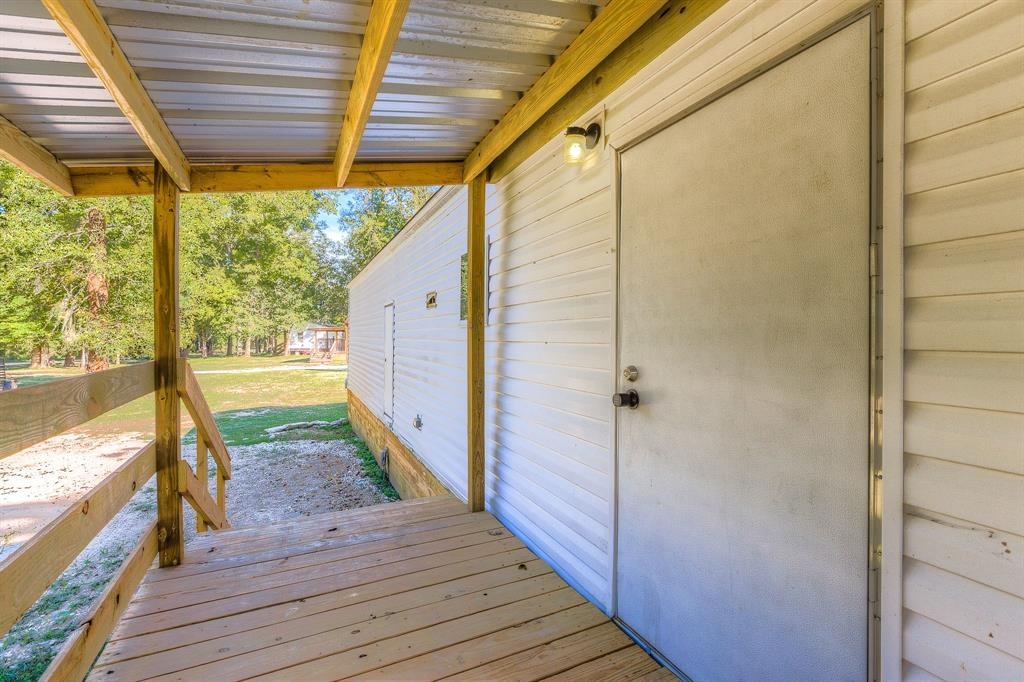 210 Devil Road, Goodrich, TX 77335