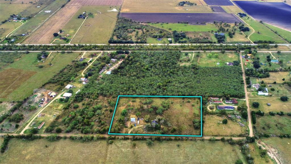 1736 Willow Road, Wallis, TX 77485