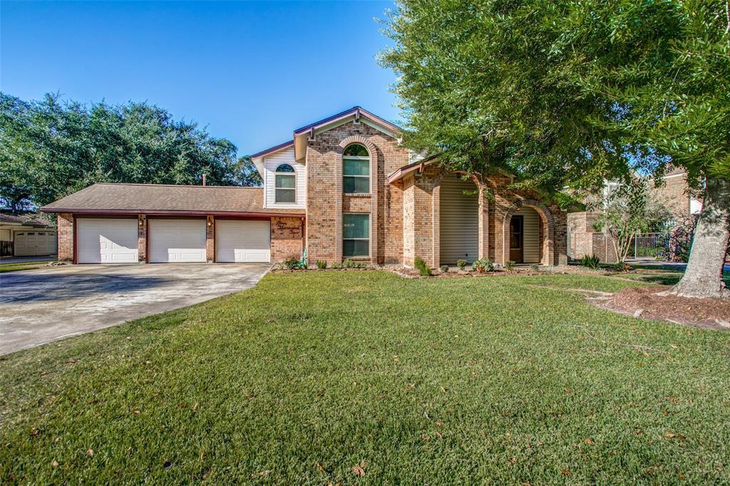 1002 Oleander Street, Lake Jackson, TX 77566