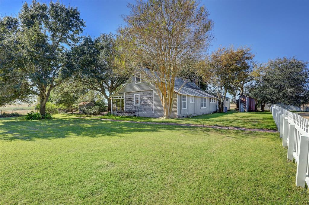 1537 Kramr Road, Fayetteville, TX 78940