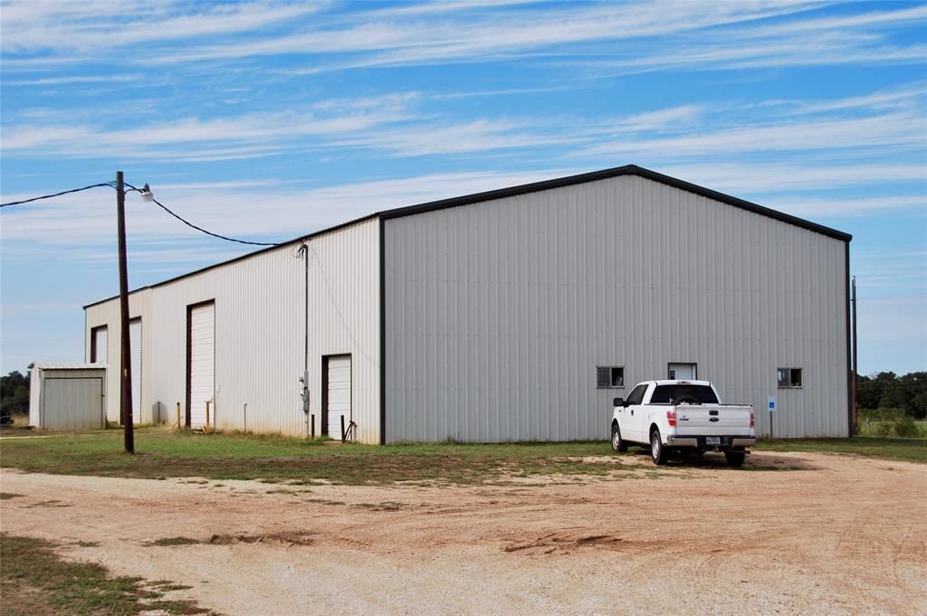 966 US Highway 77, Hallettsville, TX 77964
