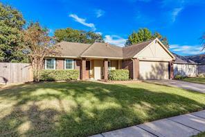 15815 pilgrim hall drive, friendswood, TX 77546
