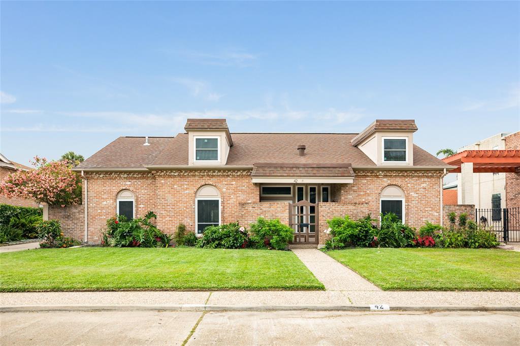 42 Colony Park Circle, Galveston, TX 77551