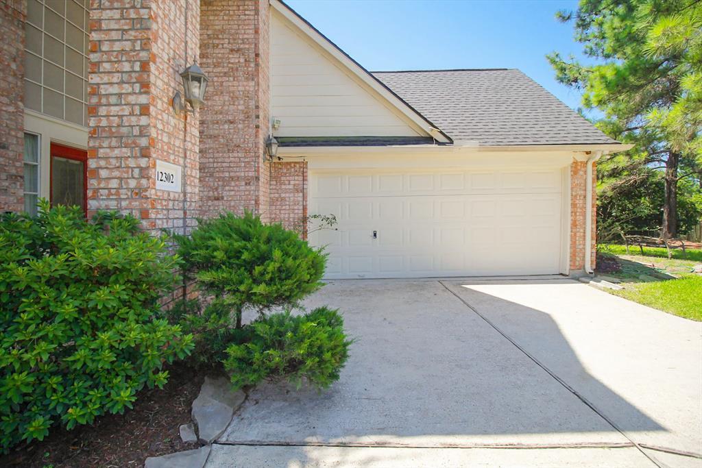 12302 Millvan Drive, Houston, Texas 77070, 4 Bedrooms Bedrooms, 9 Rooms Rooms,2 BathroomsBathrooms,Single-family,For Sale,Millvan,37603648