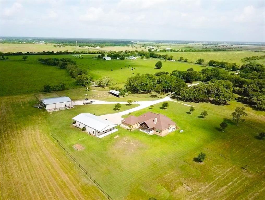 2320 County Road 49, Angleton, TX 77515