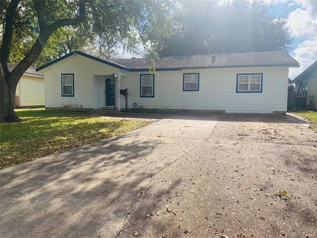 8745 Kimberly Drive, Beaumont, TX 77707