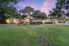 417 hillcrest drive, richmond, TX 77469