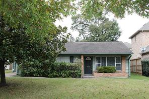 4714 wedgewood drive, bellaire, TX 77401