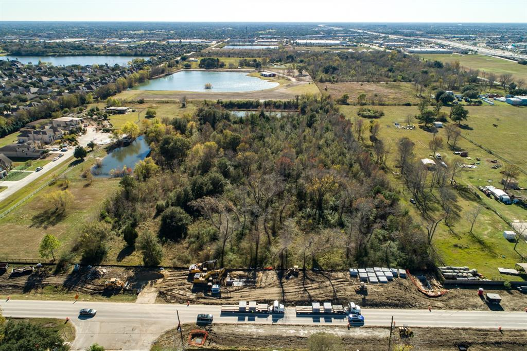 000 County Road 403, Pearland, TX 77584