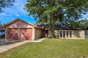 7906 fawn terrace drive, houston, TX 77071