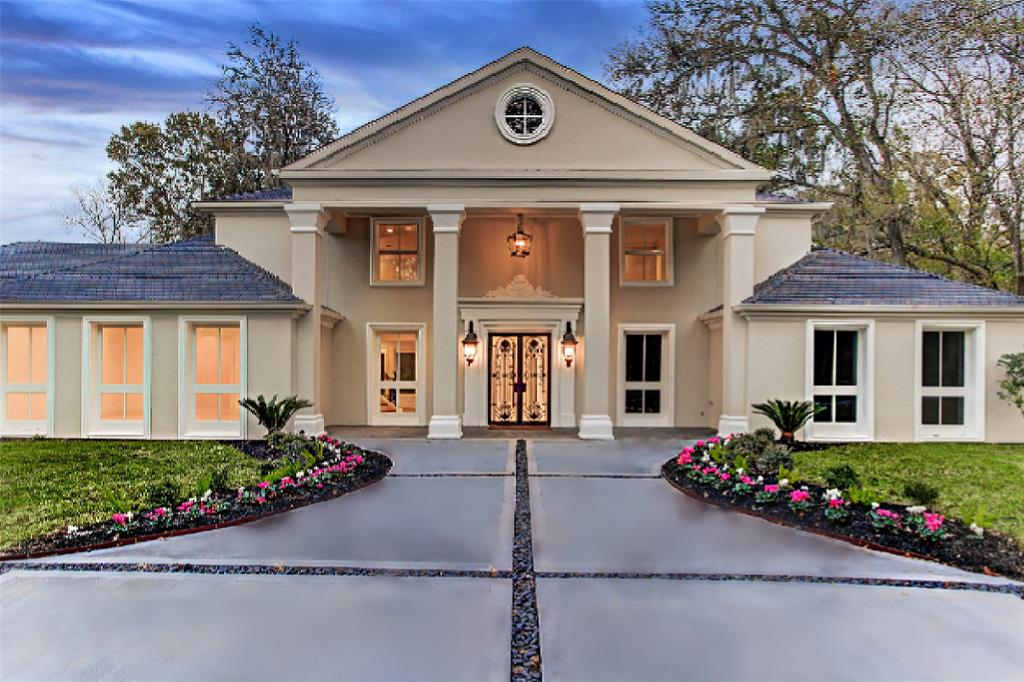 34 Rivercrest Drive, Houston, Texas 77042, 7 Bedrooms Bedrooms, 20 Rooms Rooms,7 BathroomsBathrooms,Single-family,For Sale,Rivercrest,23902388