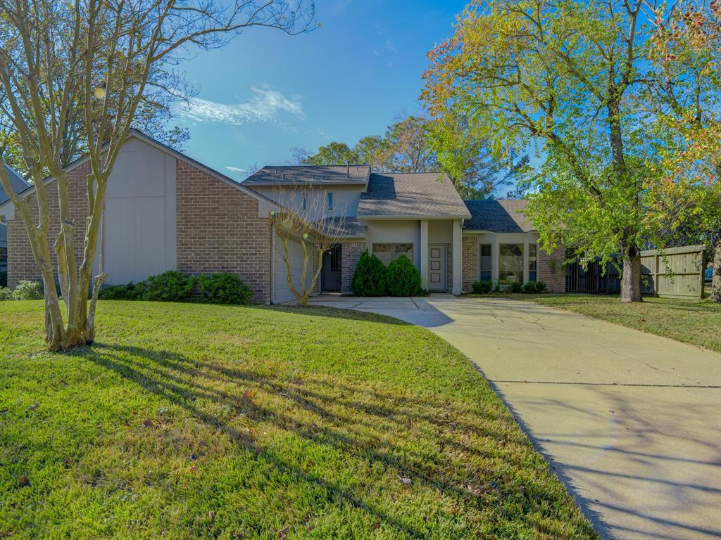 15002 Penn Hills Lane, Houston, Texas 77062, 4 Bedrooms Bedrooms, 5 Rooms Rooms,3 BathroomsBathrooms,Single-family,For Sale,Penn Hills,92770451