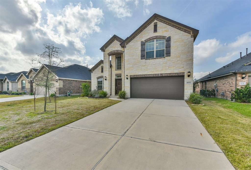 Beautiful home located in the thriving community of the Falls at Imperial Oaks. Open concept and lots of upgrades. Solar Powered and energy efficiency. Enjoy a variety of amenities such as a lakeside clubhouse, resort-style swimming pool, an on-site fitness center, children's splash park, nature & greenbelt trails, and a fun dog park.