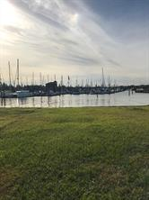 227 W Shore Drive, Clear Lake Shores, TX 77565