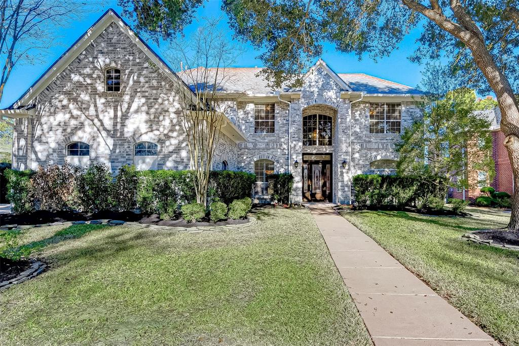 This home on Willow Fork Golf Course in Katy, is a special design. There is immediate access to golf course on your golf cart.   Originally built with many custom items, starting with a double car garage plus golf cart garage, over sized utility room, two Texas basements, double stairways which lead to large rooms upstairs.  One now being used as a Craft Room with built in desk and storage area (this room also has a screened in Observation Deck/Balcony), a room (24X15) which could be a media room.  New Roof December 2019, Water Heater installed in 2013, and HVAC is only 1 year old! Kitchen appliances are newer,  Great landscaping surrounds the property. Neighborhood has easy access to 99, I10 and Westpark Tollroad.    DID NOT FLOOD