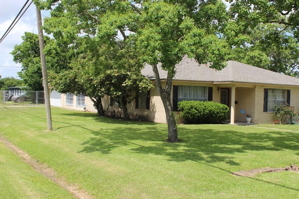 316 Ritchie Avenue, Palacios, TX 77465