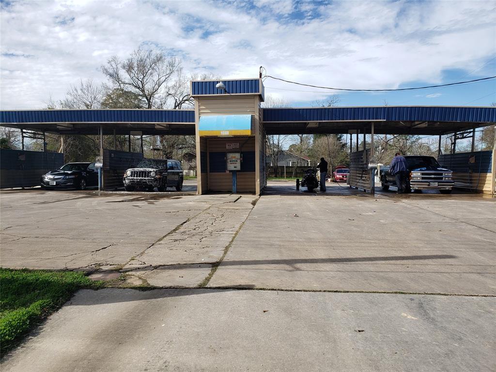 9213 Mesa Drive, Houston, TX 77028