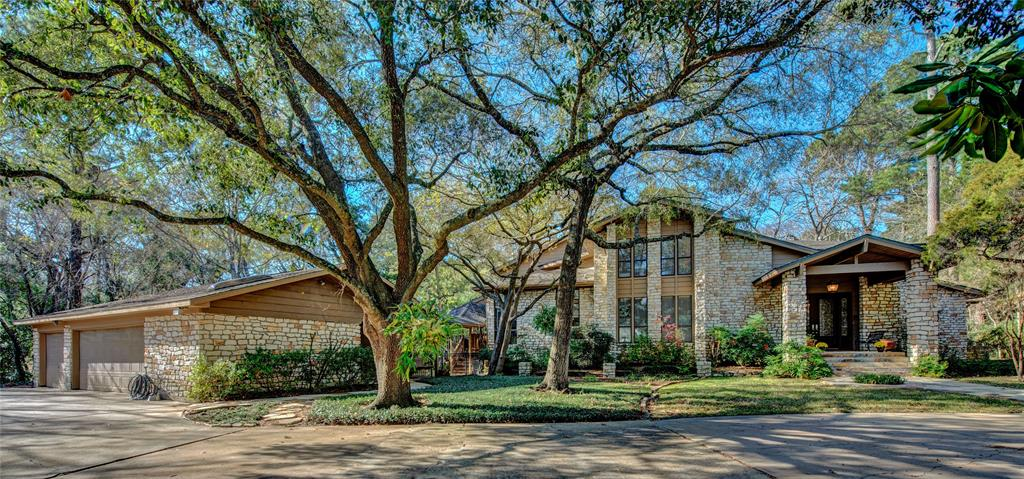 This incredible custom-built home on 1.3 acres in historic Friendswood Texas has it all!