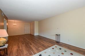 2700 Bellefontaine Street #5