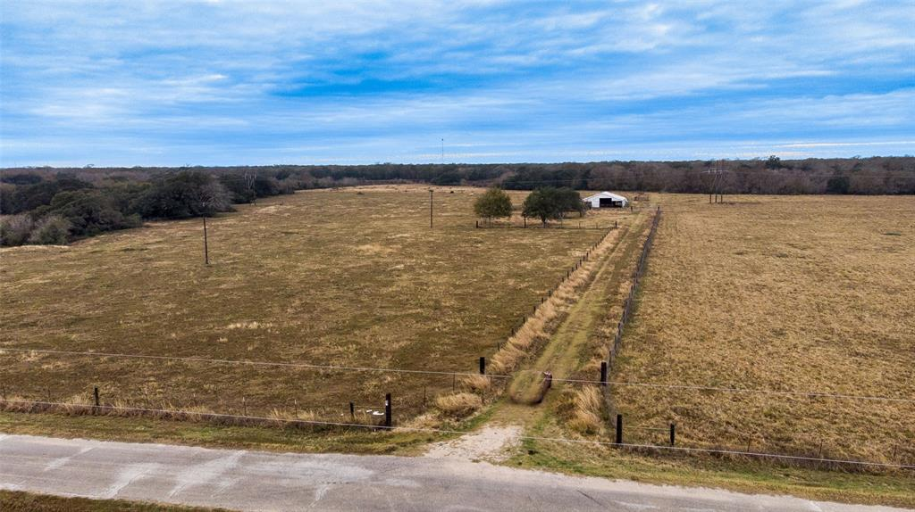 1389 County Road 436, Blessing, TX 77419