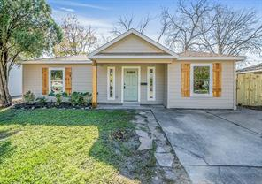 2902 Forest Oaks, Houston TX 77017