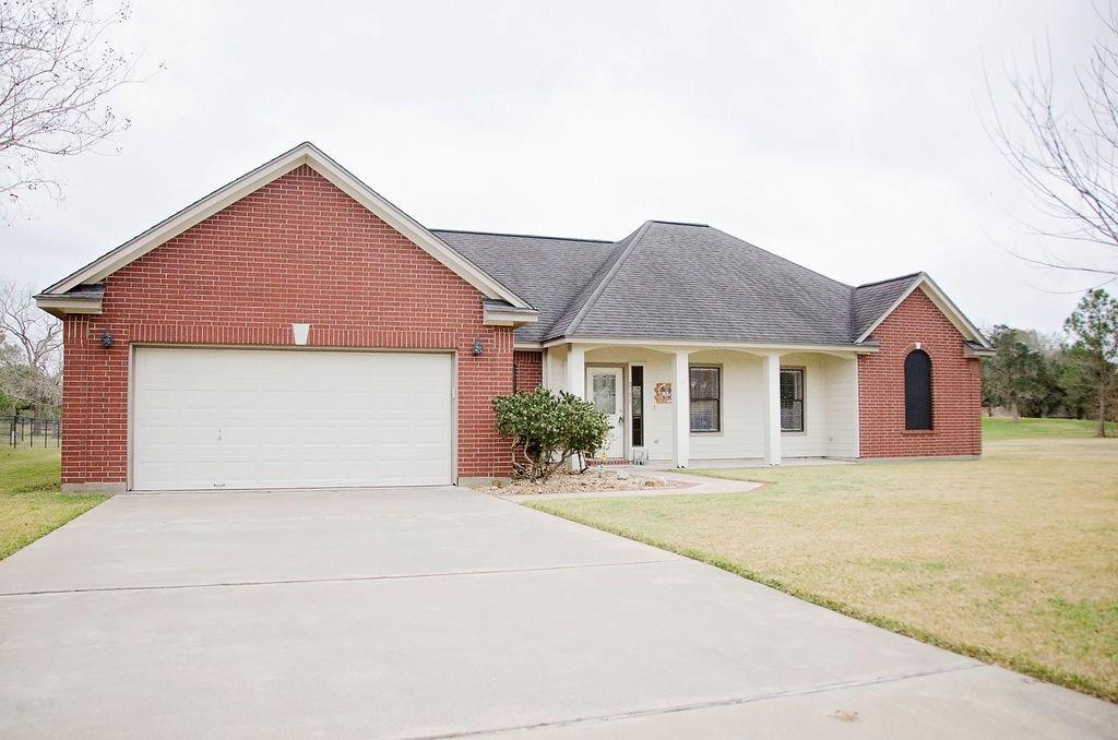 2511 Turberry Drive, West Columbia, TX 77486