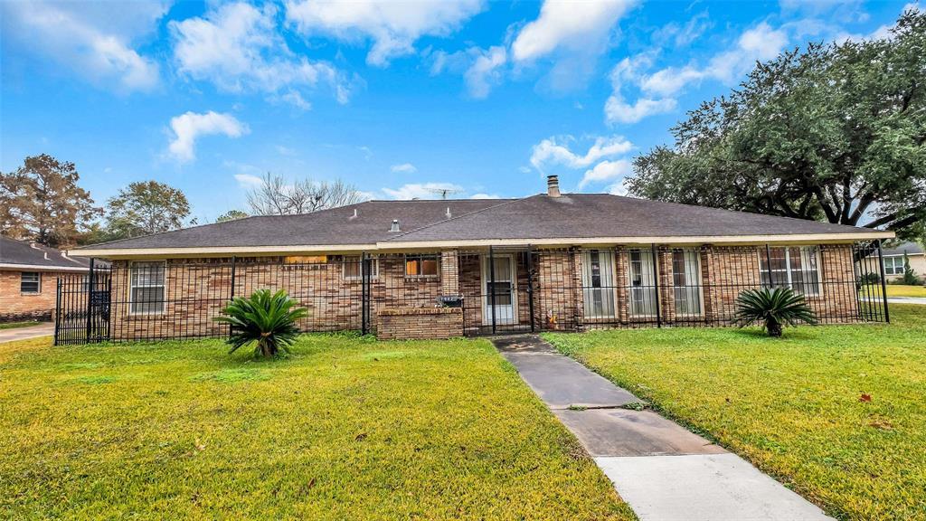 7902 Glen Prairie Street, Houston, TX 77061
