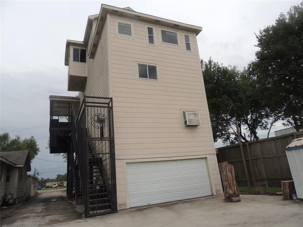 13322 E HARDY Road, Houston, TX 77039