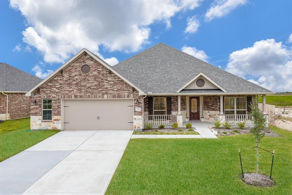 920 White Willow Drive, Texas City, TX 77590