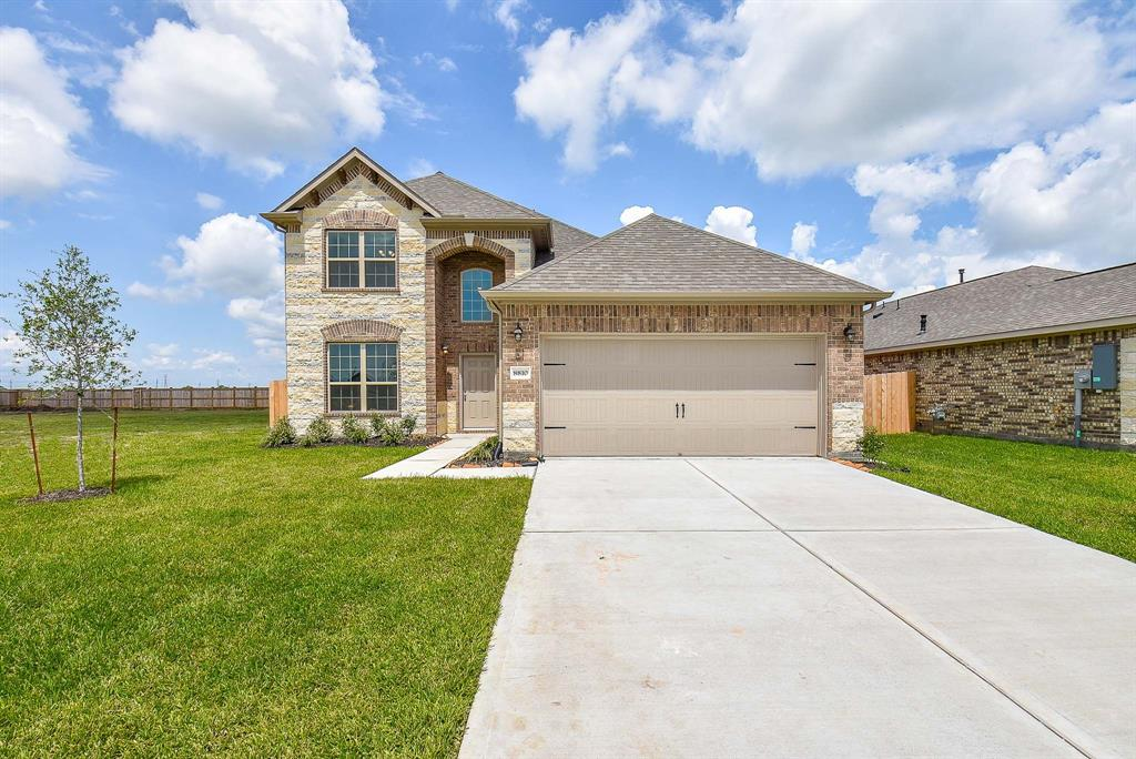 8810 Voyager Drive, Texas City, TX 77591