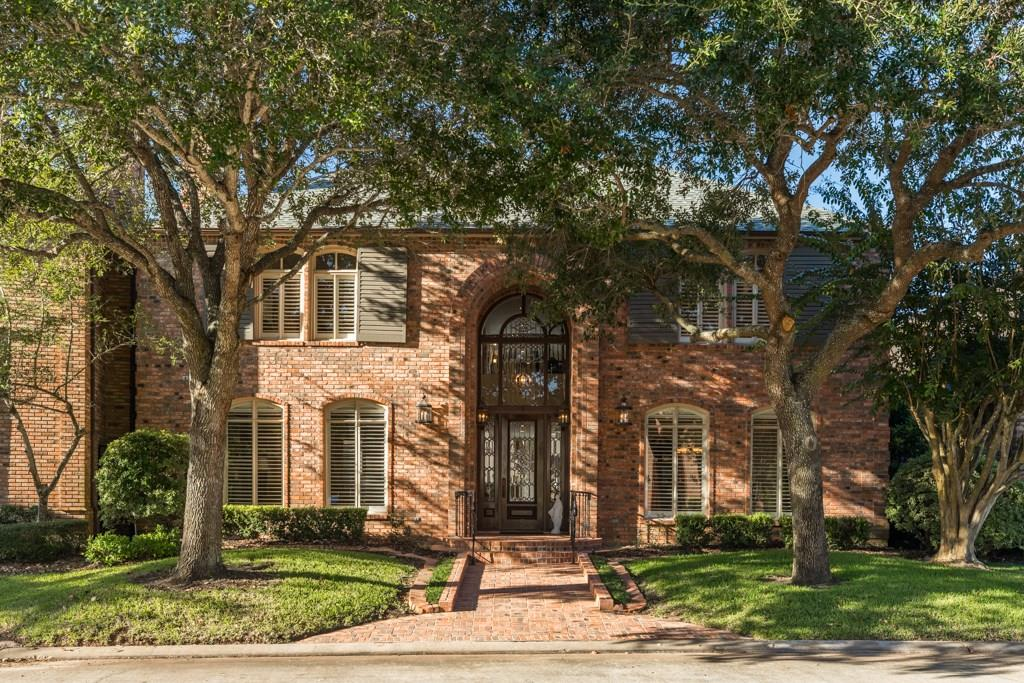 5 Heritage Oak Court, Lake Jackson, TX 77566