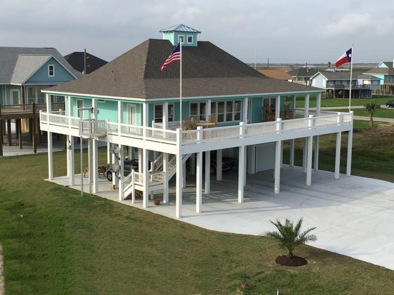 3481 Smith's Point, Crystal Beach, TX 77650
