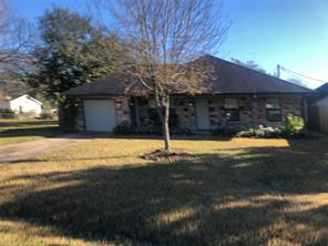 700 danbury street, angleton, TX 77515