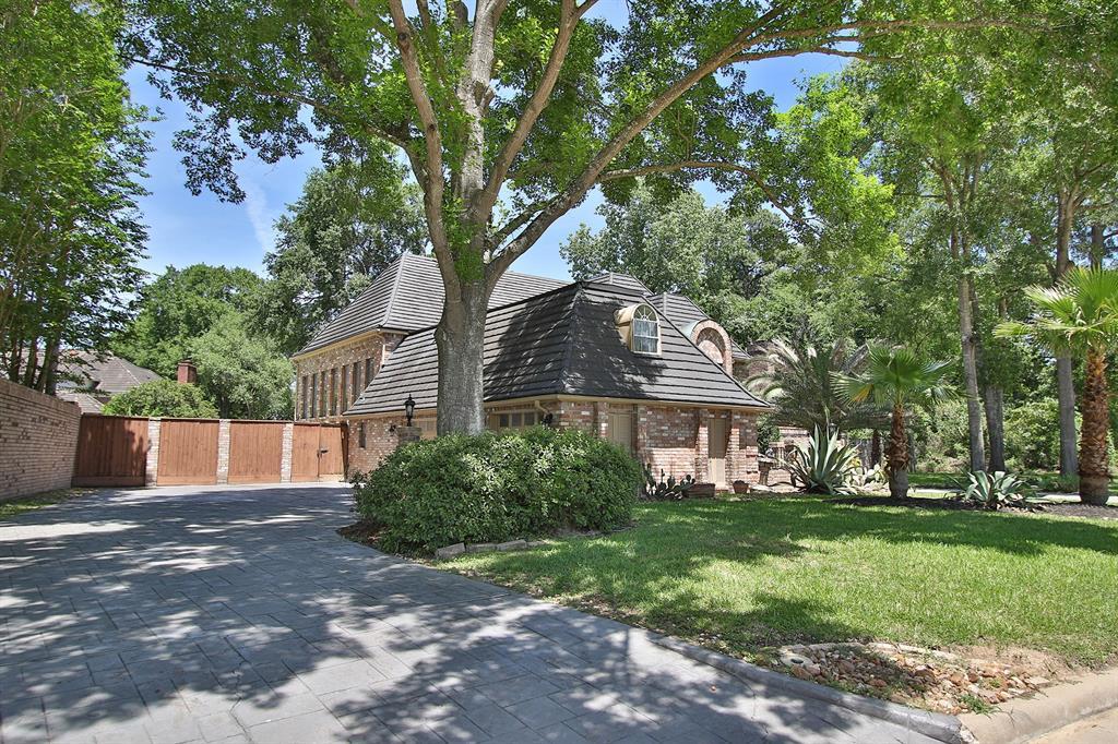 3010 Cedar Woods Place, Houston, TX 77068