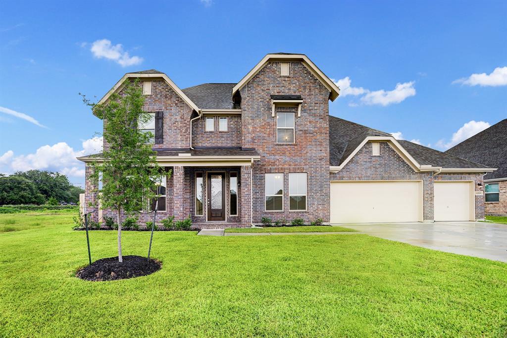 12215 Gatewood Drive, Mont Belvieu, TX 77535