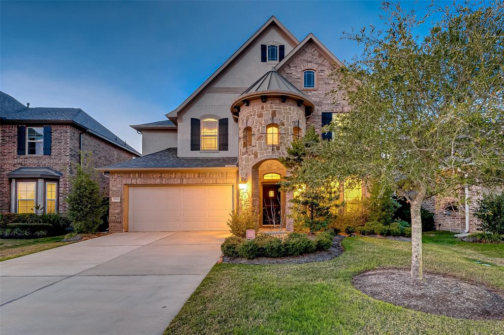 Beautifully designed NewMark home located in the Harvest Green Subdivision, and voted 2018's Master Planned Community of the Year by the GHBA. Spacious 2 story floor plan features a brick & stucco elevation. Architectural flair throughout enhances this home creating a space where everyone can relax. Overlooking the family room is the granite island kitchen offering a functional balance of beauty, comfort and convenience, stainless steel appliances, breakfast bar plus walk-in pantry and breakfast room. Master suite is your own personal retreat at the end of the day with a private master bath and walk-in closet. There is a secondary bedroom on the first floor, plus a game room, 3 bedrooms and 2 baths up. Enjoy the outdoors with a covered back patio, fully sprinklered and no back neighbors. Or stroll this walkable neighborhood with paved trails that embrace the nearby parks and lakes. Many amenities in neighborhood. Zoned to desirable Ft.Bend schools. Easy access to SH 99/Grand Parkway.