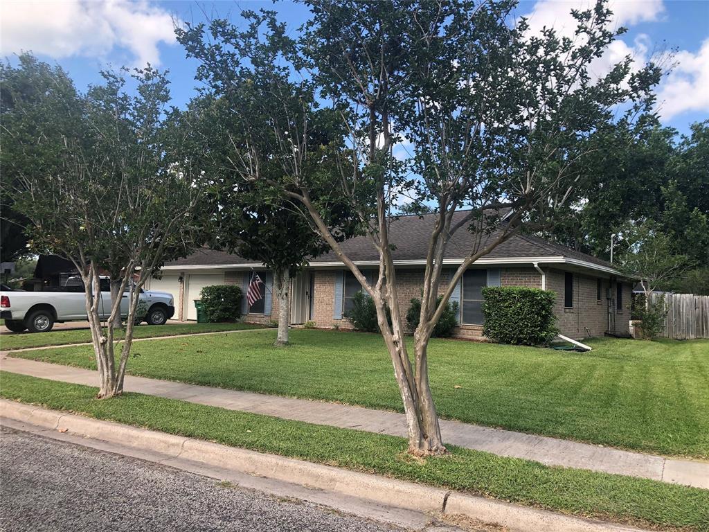 512 Maplewood Drive, Victoria, TX 77901