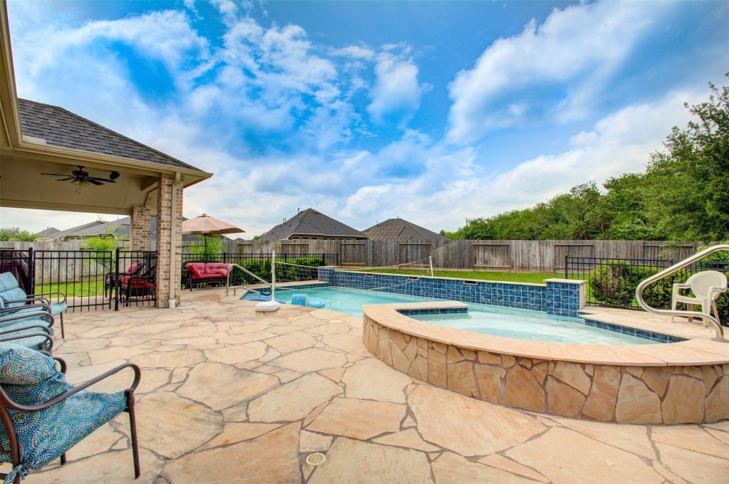 4210 Maplewood Creek, Fresno, TX 77545