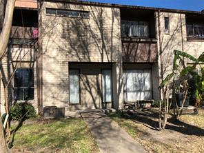 9010 imogene street b, houston, TX 77036