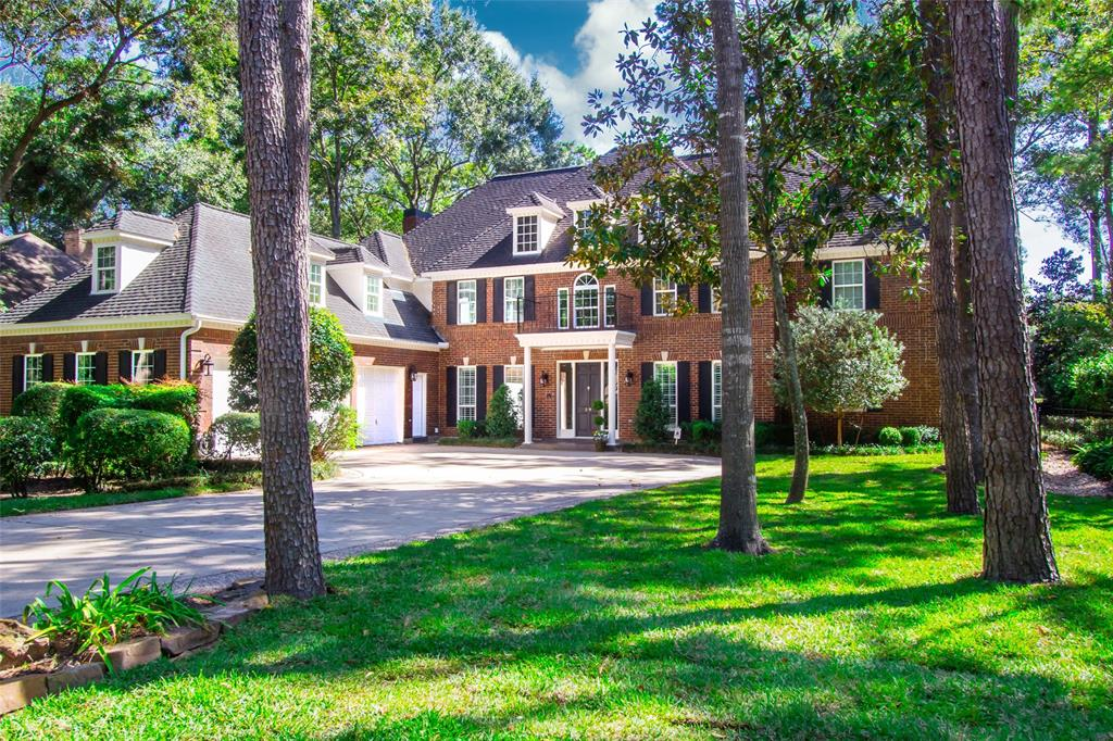 Beautifully renovated, magazine worthy, custom estate pool home on the 9th fairway of Oaks Golf Course! Prime location minutes to Town Center, Hughes Landing, Exxon, & I-45/Hardy Tollway! Designed by a professional interior designer, the most recent $160,000+ renovation will leave you breathless. Featuring a 2 story entry w/wood tread staircase, designer master en-suite, 2nd staircases, spectacular hand-cut walnut wood flooring downstairs, walnut hard woods up (absolutely no carpet), laundry & MUD rooms. Incredible recent chef's kitchen renovation includes custom cabinetry, marble counters, Subzero fridge, wine fridge, Fivestar 6 burner Pro-style duel-fuel double oven gas range, and pot filler. Upstairs features over-sized bedrooms, walk-in closets, tons of storage, game room w/balcony, media room currently used as a gym (can also be a 5th bedroom), and an AC controlled bonus room perfect for storage or a sewing room. Not located on a flood plain and has no history of flooding.