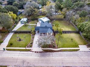 704 e wilkins street, angleton, TX 77515