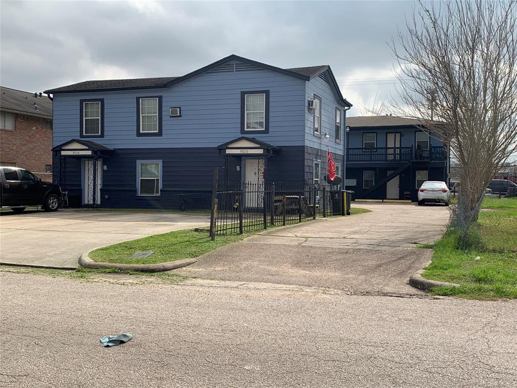 7614 Grahamcrest Drive 6, Houston, TX 77061