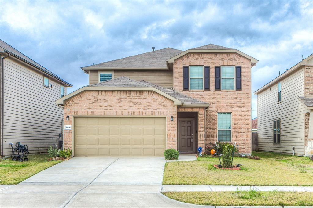 Move in ready! Lovely two story home with 5 bedrooms, 3 full bathrooms, and a study. Very open concept, with stainless steel appliances in kitchen. Located off the Fort Bend Parkway, home offers quick access to the Sam Houston Tollway and Highway 90. This convenient location is close to downtown Houston, Sugar Land, and Texas Medical Center. Refrigerator, Washer, and dryer included with the sale of the home.
