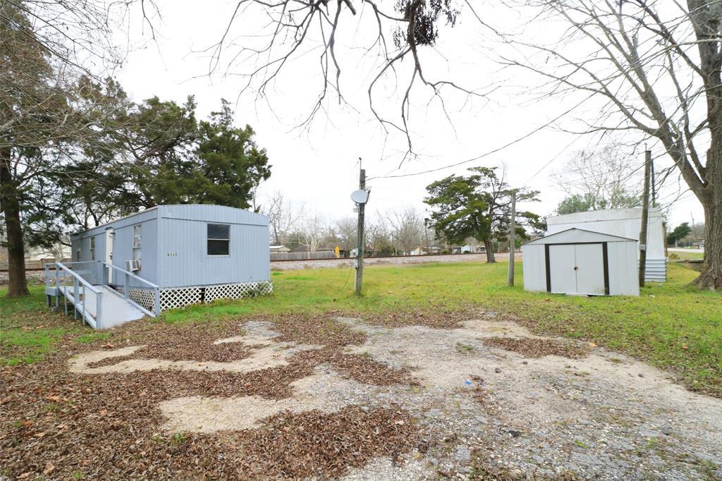 610 Battlebell Road, Highlands, TX 77562