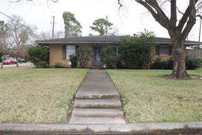 6403 pinehurst drive, houston, TX 77023