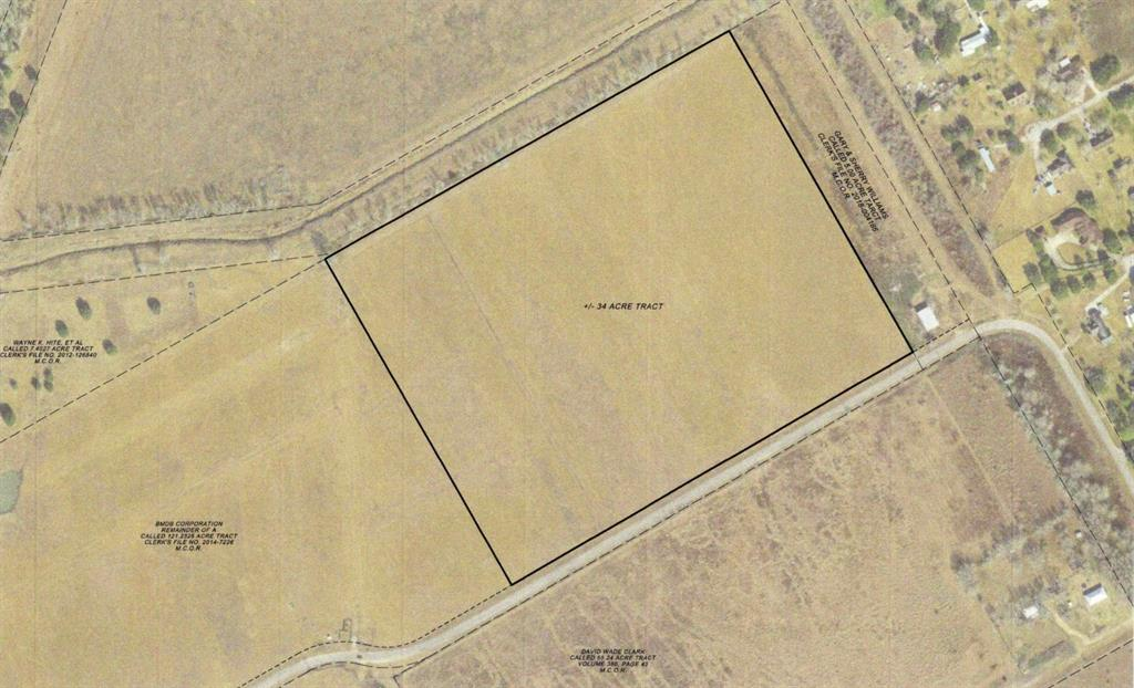 34 ACRES JUST OUTSIDE CITY LIMITS.  GREAT LOCATION CLOSE TO TOWN TO BUILD ON OR RUN A FEW HEAD OF COWS.