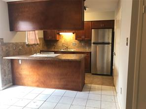 2100 Wilcrest Drive #4