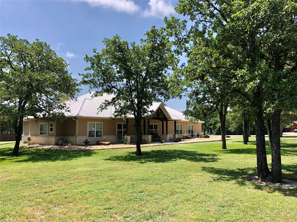 1165 County Road 229, Giddings, TX 78942
