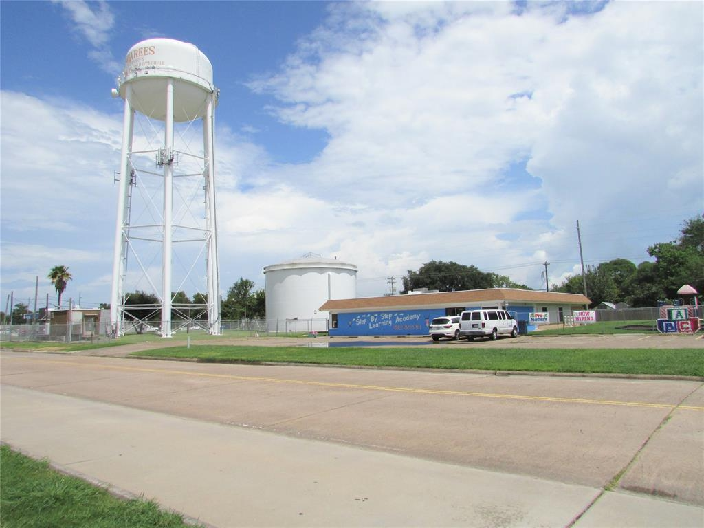 714 14th, Texas City, TX 77590