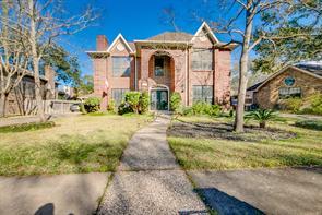 1706 Fairoaks Street, El Lago, TX 77586